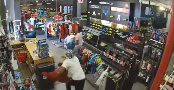 Teens caught on camera snatching clothing off racks at Brooklyn store