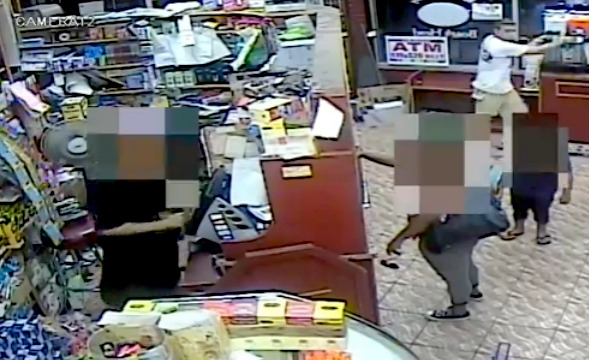 Knife-wielding man goes berserk inside Brooklyn deli during robbery attempt