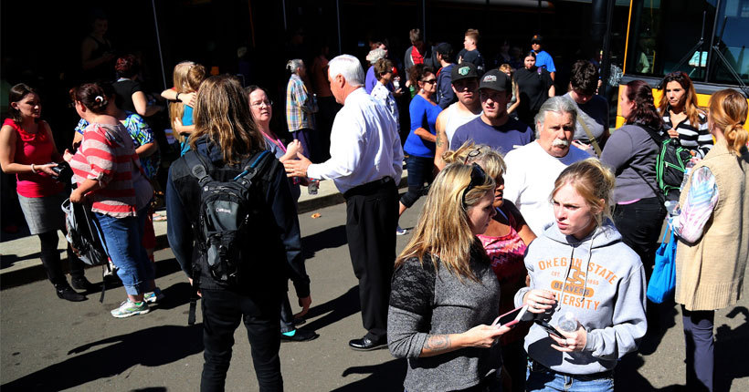 Oregon shooting: 10 dead at Umpqua Community College