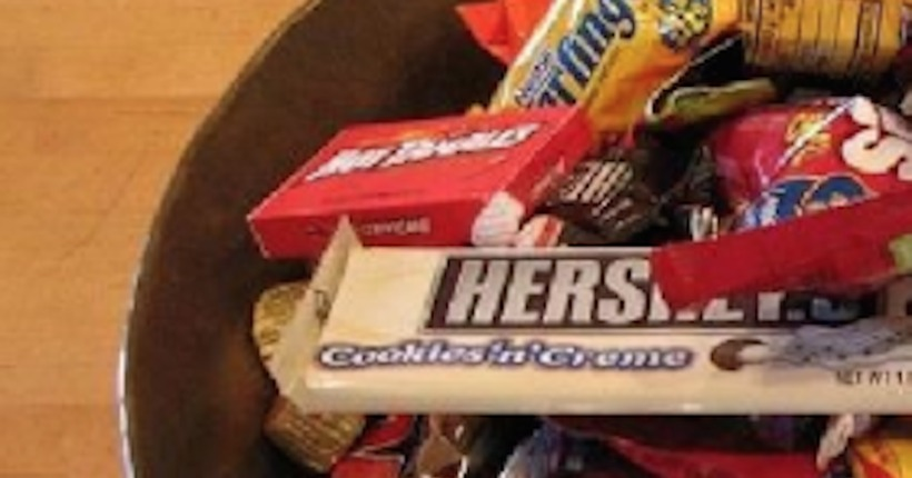 Razor blade found in candy bar given out in Central Ohio