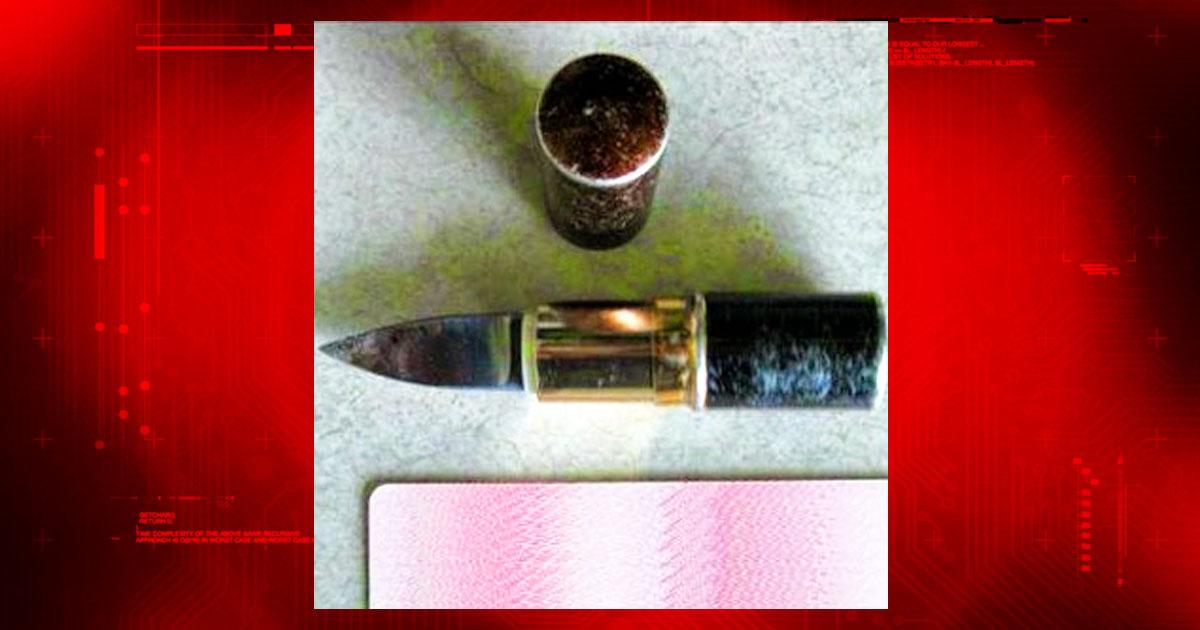 lipstick-knife-cwd-820