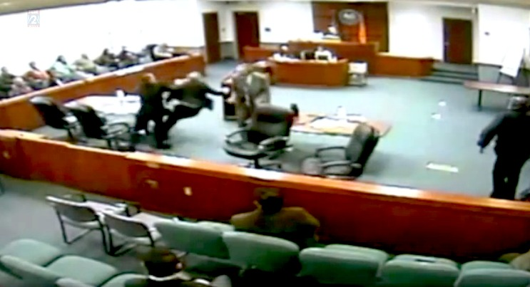 Suspect attacks prosecutor in court
