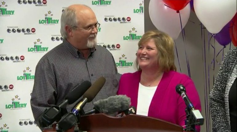 Inmate sues Powerball jackpot winners