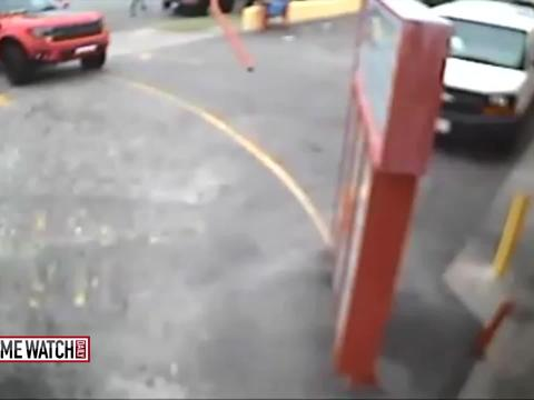 Raw video: Suge Knight in Compton collision with pedestrians