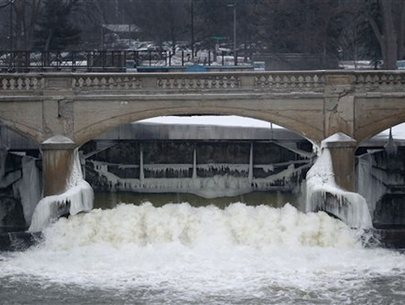3 charged in connection to Flint water crisis