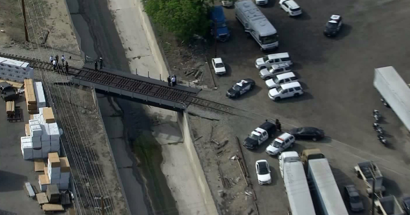 Dead body wrapped in plastic found near Burbank rail tracks