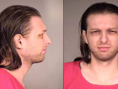 Marshals searching for accused child rapist in Seattle