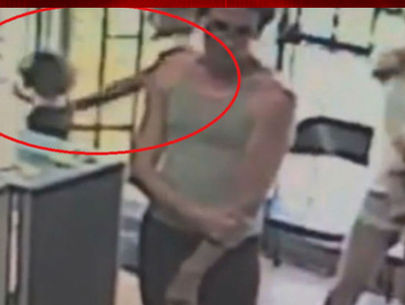 Video: Man snatches 4-year-old girl away from mother in store