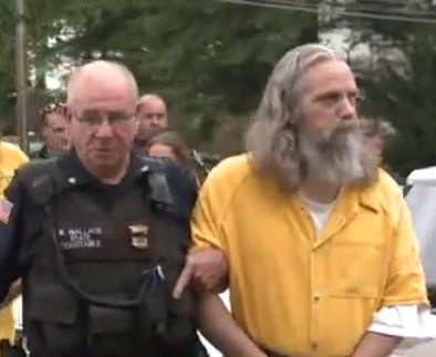 Amish couple accused of 'gifting' daughter to man will go to trial