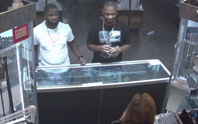 Video: Bold theft of nearly $30K in engagement rings