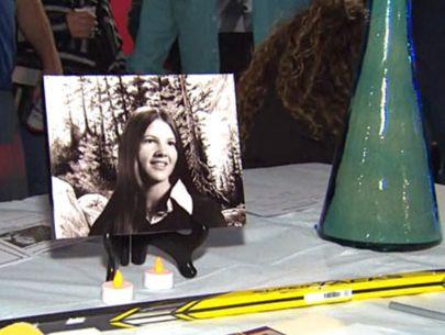 Cold-case murder victim's family holds fundraiser in hopes of solving case