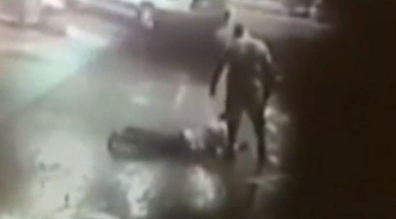 Video: Former WWE wrestler body-slams would-be robber