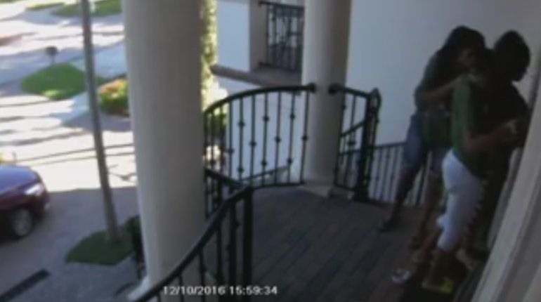 Thieves steal package from Hulk Hogan's front step