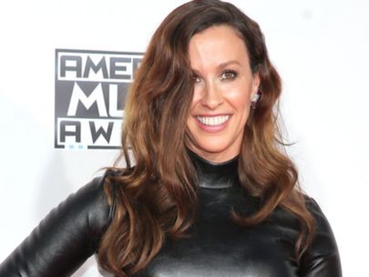 Thieves steal safe with $2M worth of jewelry from Alanis Morissette