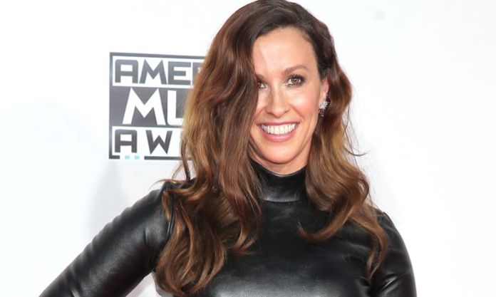Thieves steal safe with $2 million worth of jewelry from Alanis Morissette's Brentwood mansion: LAPD