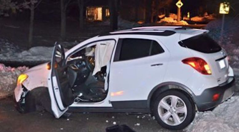 Woman continues drinking wine after alleged DUI crash