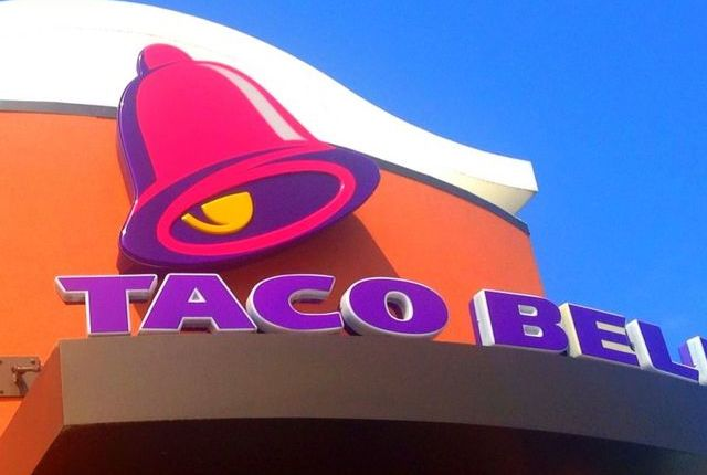 Man shoots Taco Bell employee after asked to pull forward in drive-thru