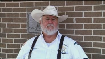 Former Oklahoma sheriff accepts plea deal to corruption charge