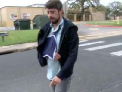 Musician mugged, shot walking home from SXSW show