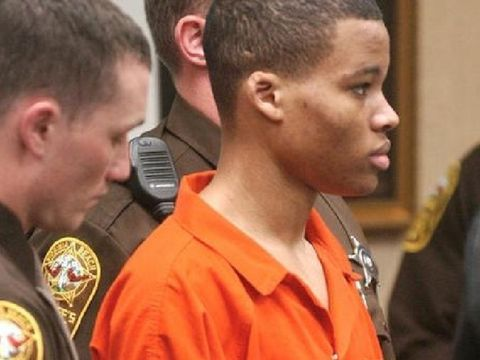 Federal judge tosses out life sentences for D.C. sniper Malvo