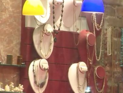 Men dressed as construction workers steal $800K in jewelry