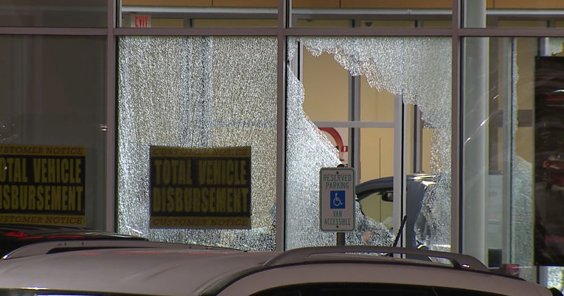 Bounty hunters, fugitive killed in car dealership shootout