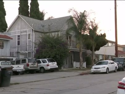 Girl escapes after being kidnapped in front of home; 2 men sought