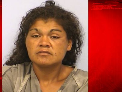 Mom accused of abandoning toddler at underpass