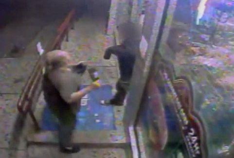 Video shows man smash beer bottle on victim's head outside Bronx deli