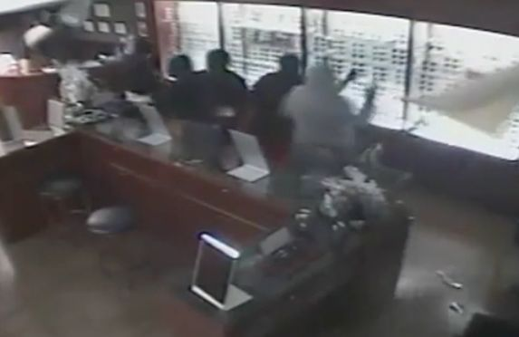 Caught on camera: 12 burglars break into Laguna Hills business in smash-and-grab