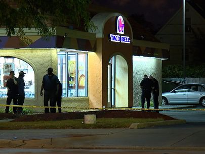 Employees at Cleveland Taco Bell shoot suspect during attempted robbery