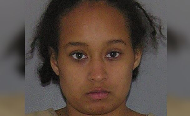 Mother who left kids at home to go clubbing gets 1 year probation