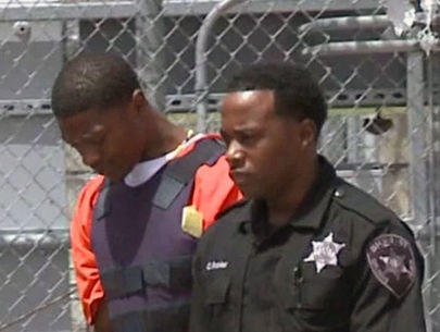 Suspected cop-killer eats feces in court, called incompetent