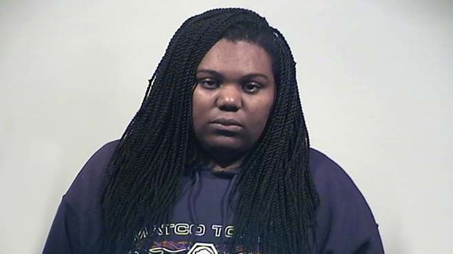 Warren mom accused of leaving young kids home alone