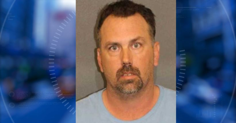 Sheriff: Fort Mohave man gave gun to daughter telling her to kill herself