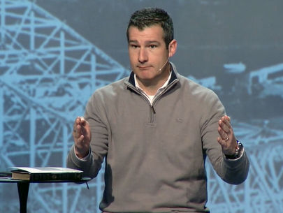 Pastor admits sexual incident with teen, receives standing ovation