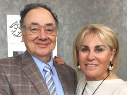 Police say billionaire, wife apparently murdered