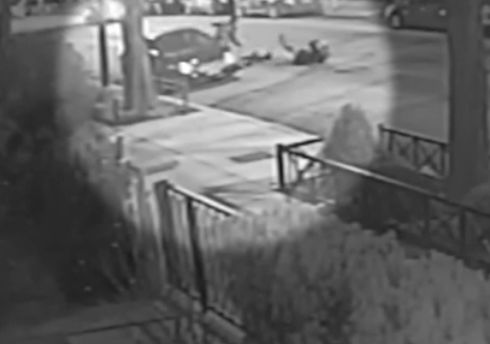Woman robbed while riding Divvy bike in Old Town, incident caught on video