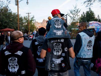 Suit alleges gangster-like tactics against Disneyland superfan club