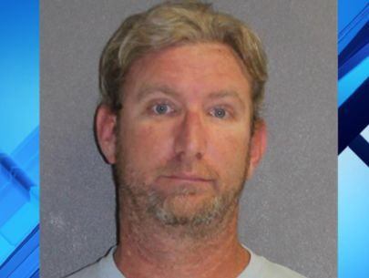 Manager stole money from restaurant's safe, police say