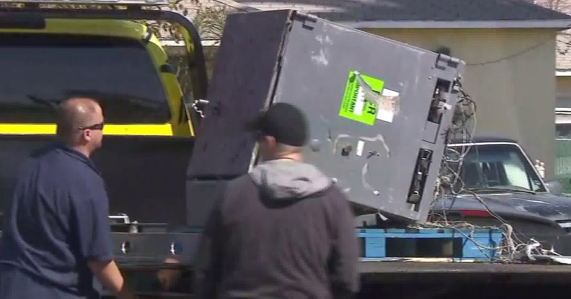 Burglar uses dump truck to take ATM from Artesia bank, leads pursuit on 105 Freeway: LASD