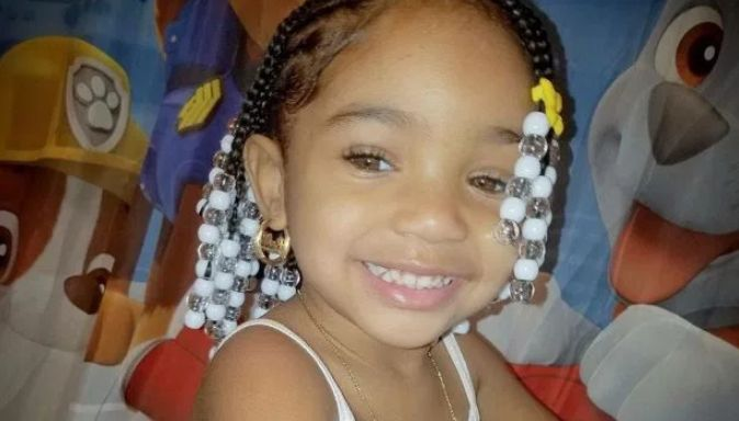 3-year-old girl found dead in apartment; police suspect child abuse
