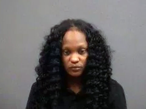 Applebee's hostess arrested for stealing purse from a mom