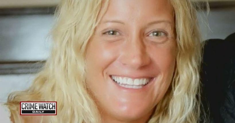 Estranged wife shoots husband, sets up phony murder-suicide scene