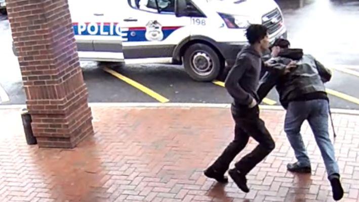 Video shows Good Samaritan trip armed suspect fleeing Ohio police