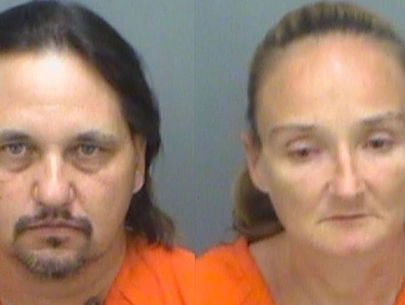 Florida couple steals motorized cart from Walmart, drives to bar