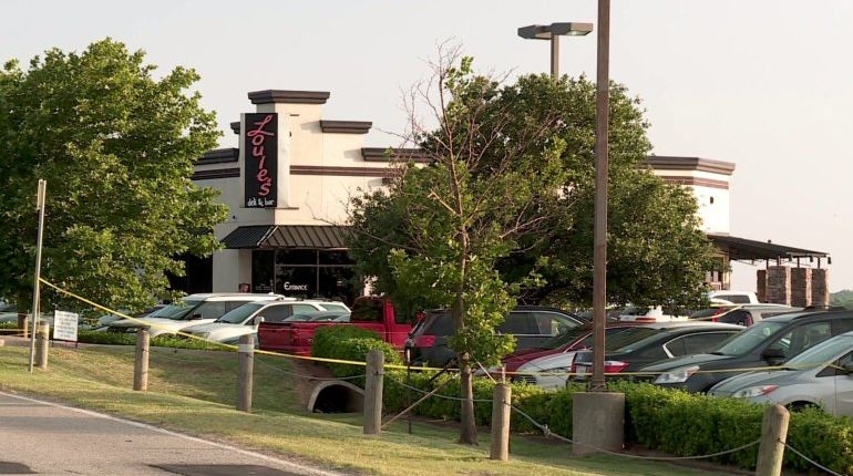 2 shot at Oklahoma restaurant; civilian kills gunman, police say