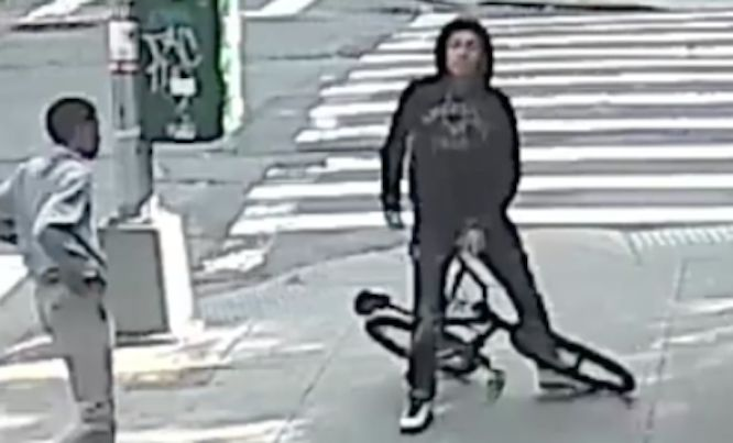 17-year-old assaulted in the Bronx; knife-wielding attackers sought