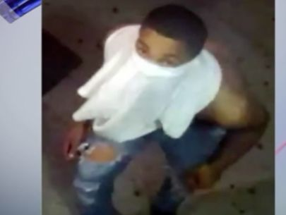 Violent purse snatching in Brooklyn injures woman, thief sought