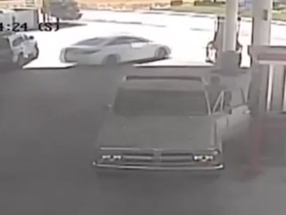 Man carjacks vehicle with kids in backseat, 13-year-old puts up a fight